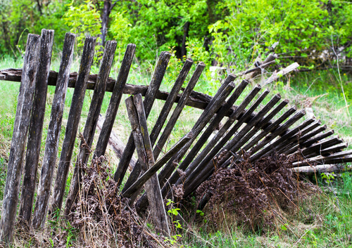 Old Fence Removal by The Junkluggers of Fairfield & Westchester Counties